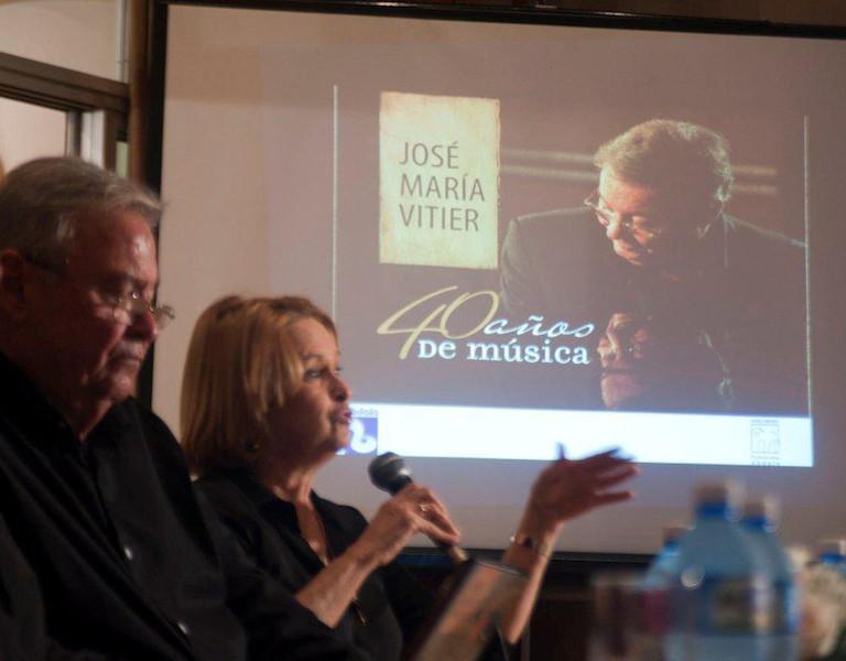 """""""40 años de música"""", de José Maria Vitier."""