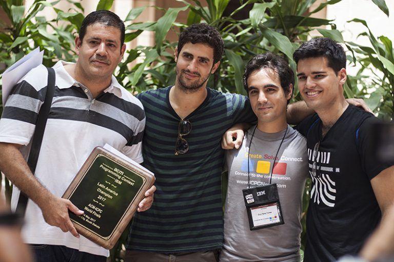 De izquierda a derecha, Alfredo Somoza, Ariel Cruz, Eloy Pérez y Marcelo Fornet. Foto: L Eduardo Domínguez/ Cubadebate.