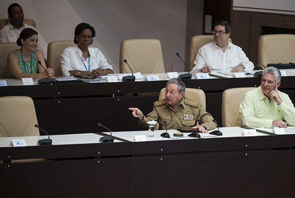 Raúl asiste a la sesión extraordinaria de la ANPP. Foto: Irene Pérez/ Cubadebate.