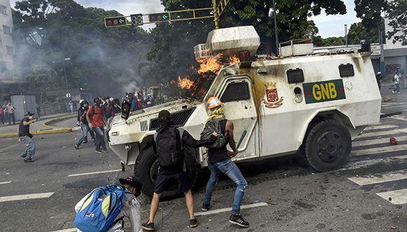 Grupos de la oposición venezolana siembran el caos para desestabilizar el país. Foto tomada de Correo del Orinoco.