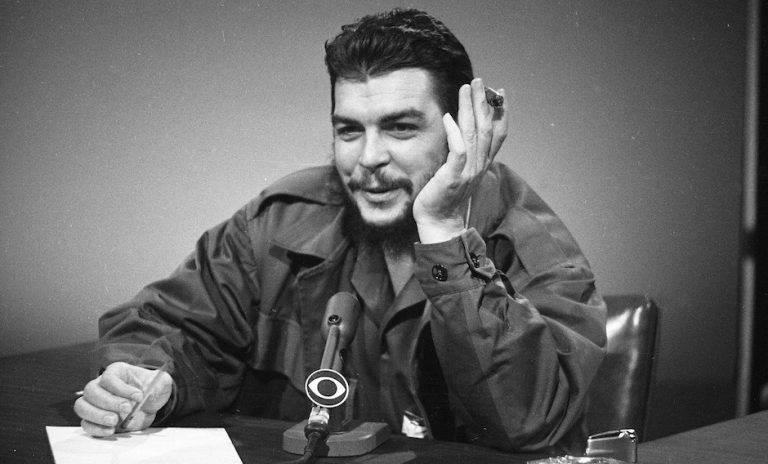 """""""El bloqueo es realmente un fracaso total"""", decía el Che en esta entrevista en 1964. Foto: AP/ Archivo."""