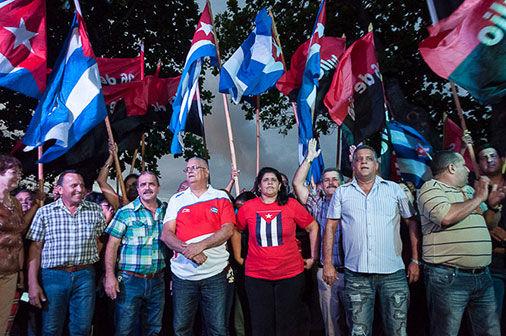 Los pinareños festejan la obtención de la sede del 26. Foto: Periódico Guerrillero