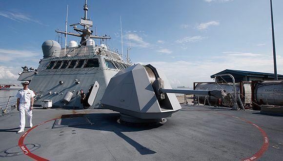 Dos buques de guerra de la Armada de los Estados Unidos atracaron en Doha, capital de Qatar. Foto: Edgar Su/ Reuters.