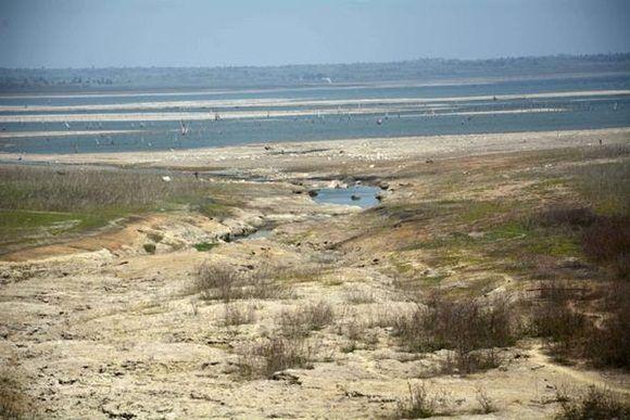 Panorama actual de la presa Zaza, muy deprimida por la intensa sequía que afecta a la provincia Sancti SpíritusFoto: ACN.