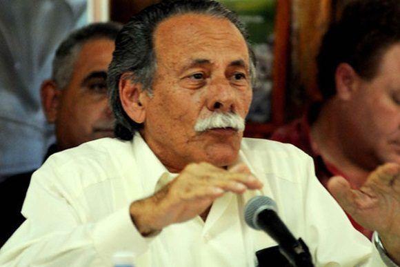 Por indicaciones del Comandante en Jefe Fidel Castro asume la Dirección General del Instituto de Investigaciones Fundamentales en Agricultura Tropical (INIFAT) en 1991, labor que continuaba desempeñando hasta su fallecimiento.