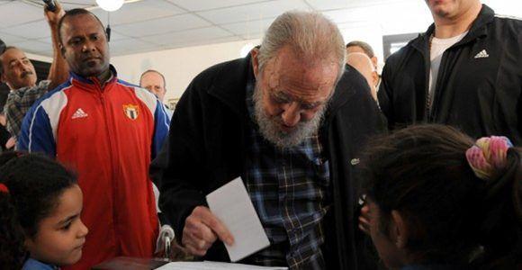 Fidel vota en colegio electoral del Vedado. Foto: Ismael Francico/CUBADEBATE.