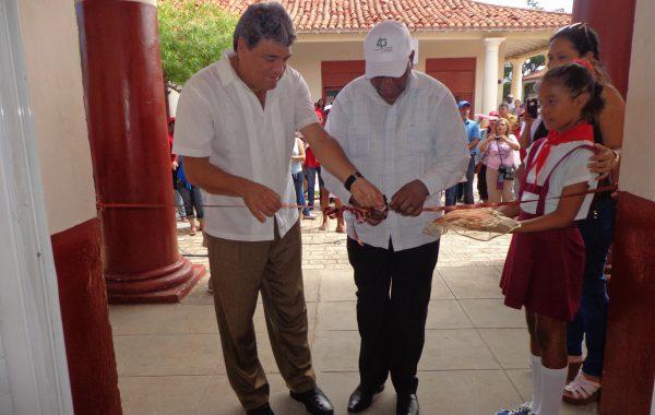 Aniversario 40 escuelas internacionalistas Isla 7