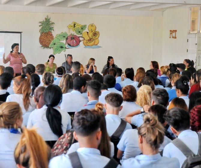 Intercambio Diputados estudiantes preuniversitarios 1