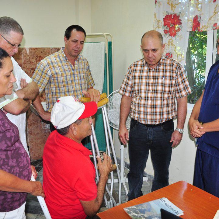 vicepresidente de los Consejos de Estado y de Ministros de Cuba (2)