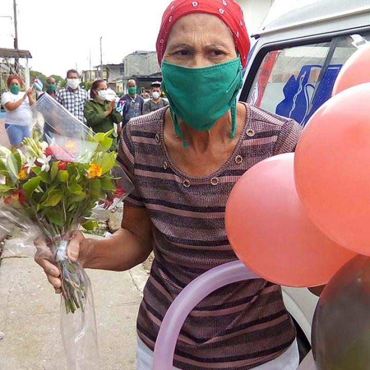 Alta clínica Ultima paciente Covid – 19 en la Isla (26)