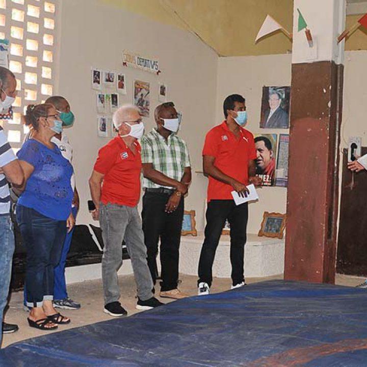 Visita a las intalaciones deportivas Viceprecidente 1ro del Inder.Foto Yoandris Delgado Matos