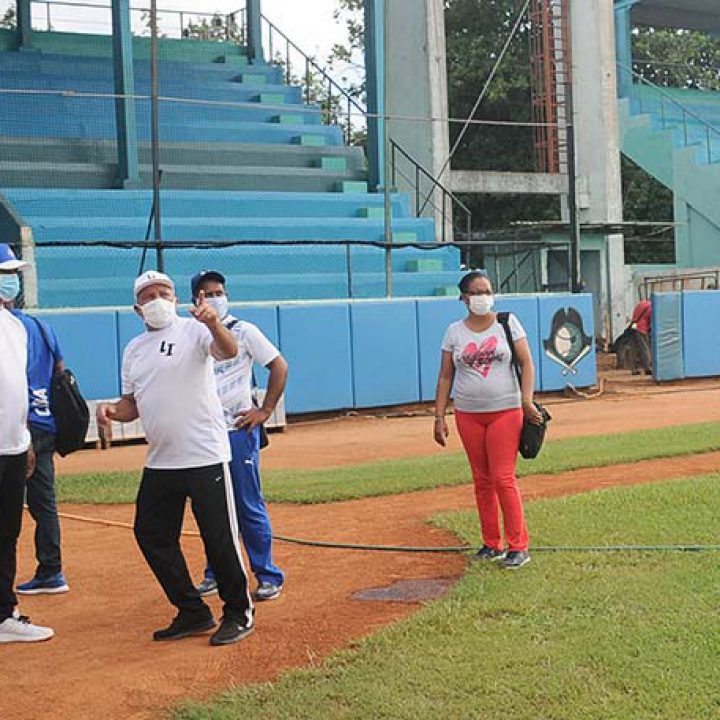 Visita a las intalaciones deportivas Viceprecidente 1ro del Inder.Foto Yoandris Delgado Matos (9)