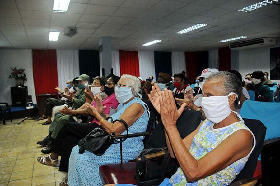 Encuentro e intercambio de la UJC con la generación del 60.Foto Yoandris Delgado Matos (6)