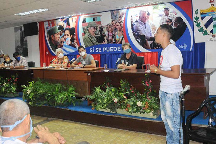 Encuentro e intercambio de la UJC con la generación del 60.Foto Yoandris Delgado Matos (7)