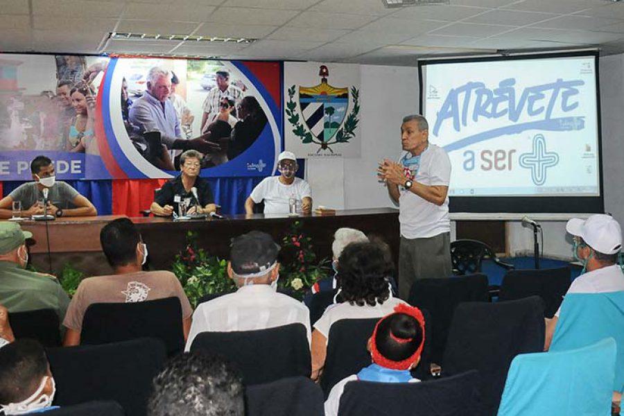 Encuentro e intercambio de la UJC con la generación del 60.Foto Yoandris Delgado Matos (8)