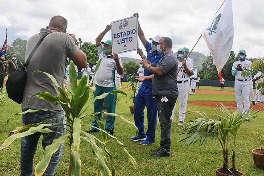 Abanderamiento equipo de béisbol IJ.Fotos Yoandris Delgado Matos (29)