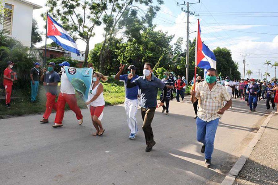 Marcha del INDER por el aniversario de los CDR.Fotos Yoandris Delgado Matos (2)