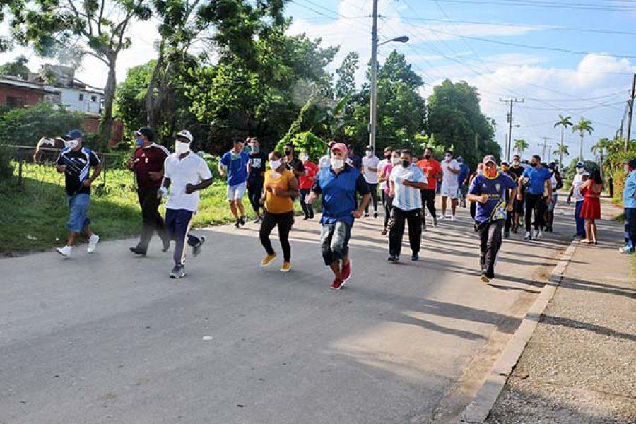 Marcha del INDER por el aniversario de los CDR.Fotos Yoandris Delgado Matos (3)