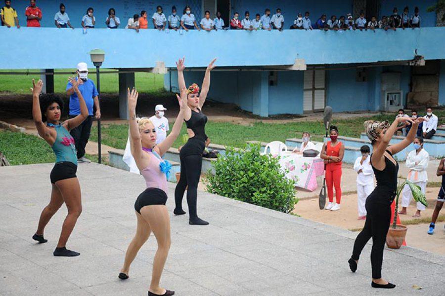 Gala inicio de jornada por el día de la Cultura Física. Fotos Yoandris Delgado Matos (10)