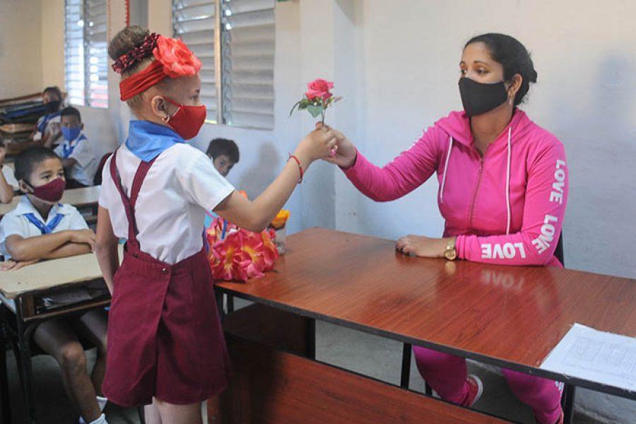 Día del educador.Fotos Yoandris Delgado Matos (1)