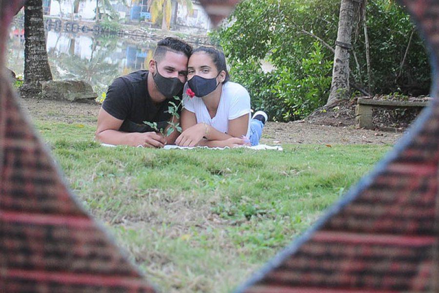 Día del amor en tiempo de covid.Fotos Yoandris Delgado Matos (1)