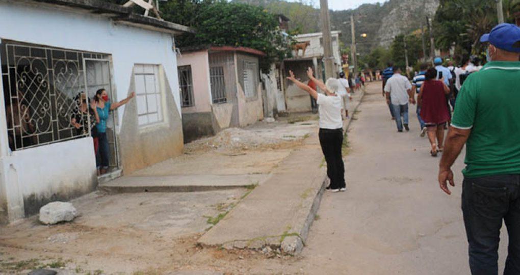 Cierre de cuarentena en varias zonas.Fotos Gerardo Mayet (13)