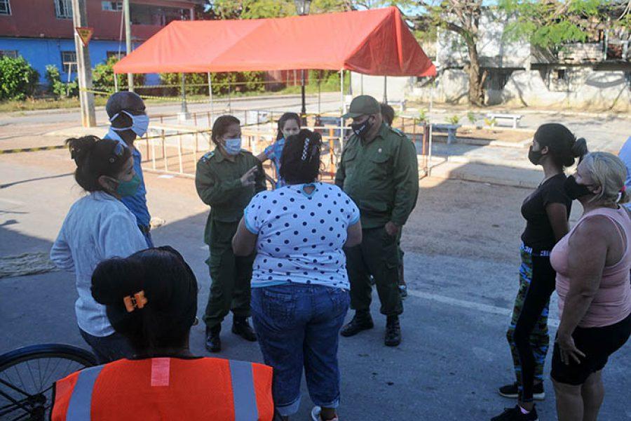 Recorrido del CDM por centros de aislamiento y zonas en cuarentena, fotos Yesmanis Vega Ávalos_9