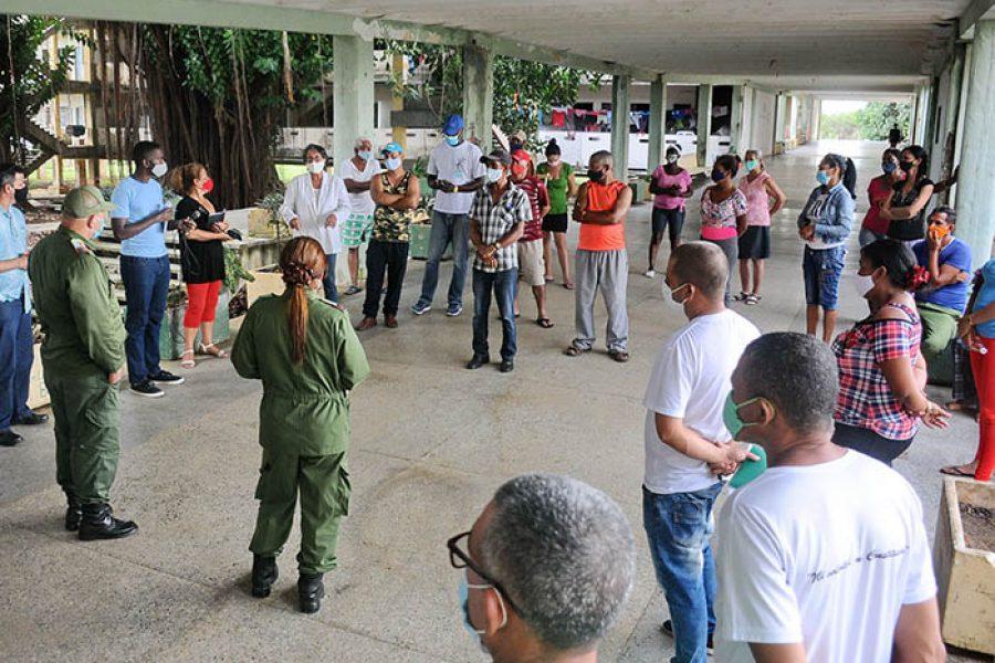 Recorrido del Consejo de Defensa Municipal por comunidades libres de covid-19 (9)