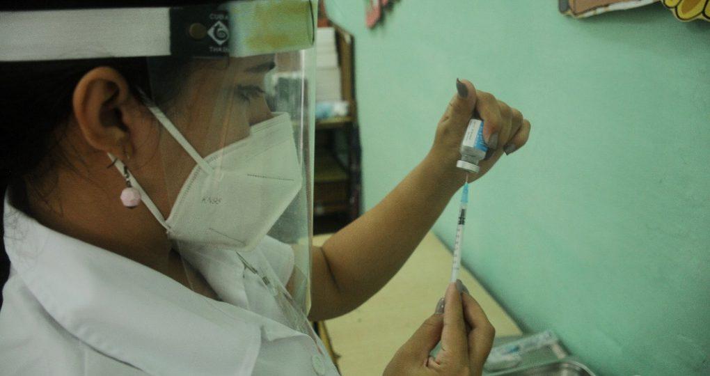 Inicia vacunación a la población, fotos Yesmanis Vega Ávalos_4
