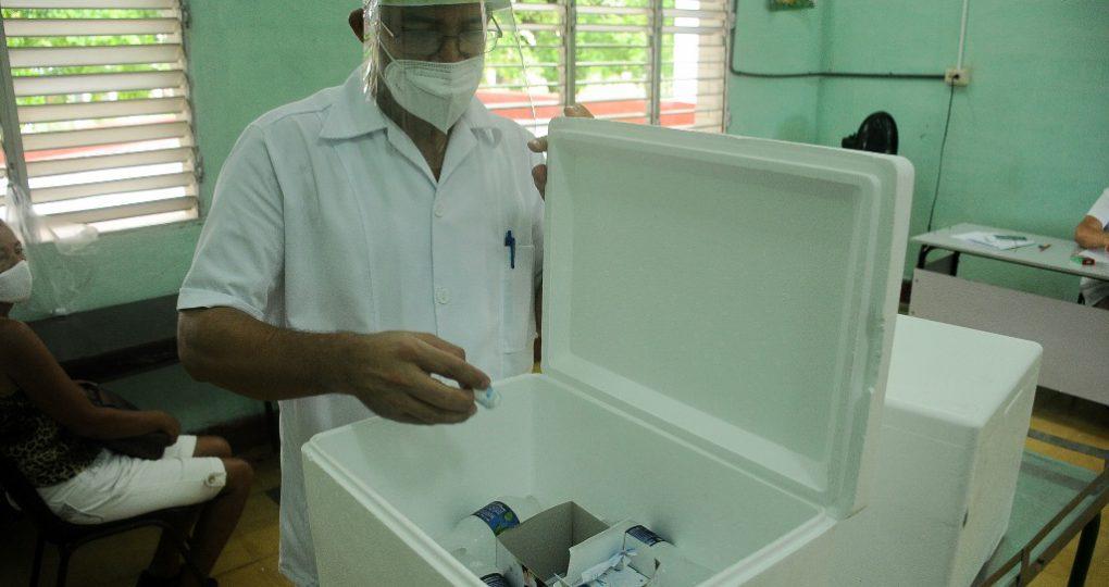 Inicia vacunación a la población, fotos Yesmanis Vega Ávalos_5