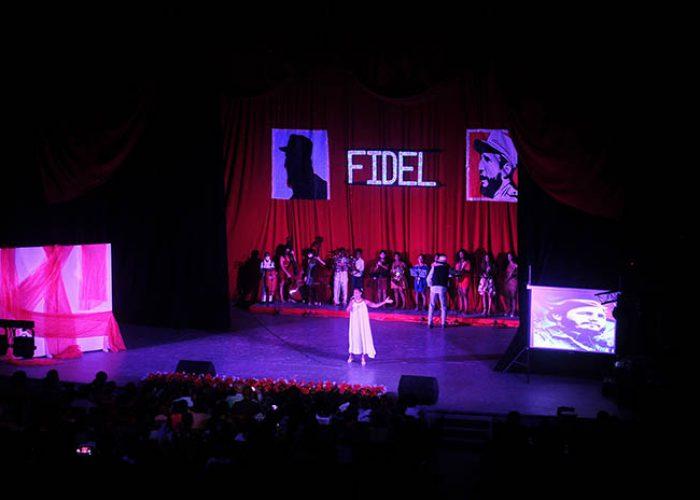 Gala por el 95 nv del natalicio de Fidel, fotos Yesmanis Vega Àvalos_1