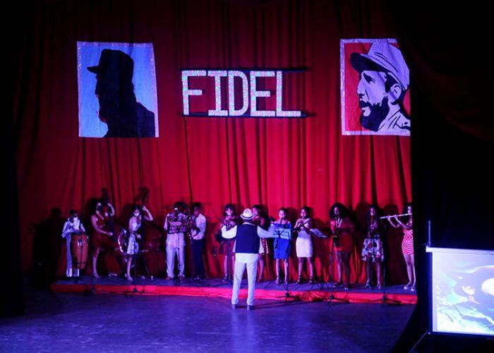 Gala por el 95 nv del natalicio de Fidel, fotos Yesmanis Vega Àvalos_3