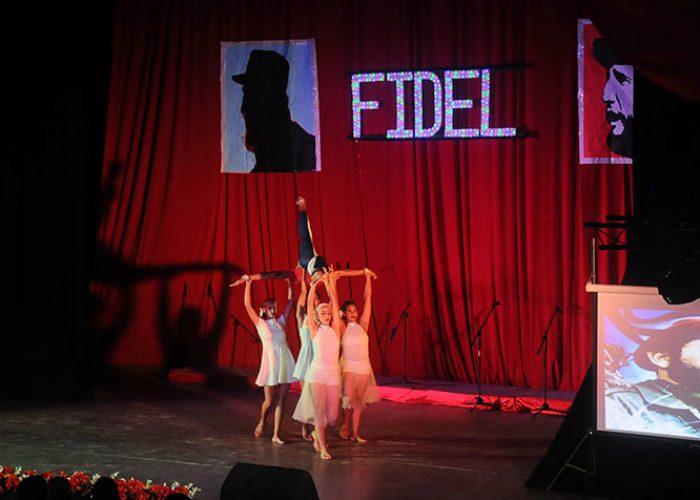 Gala por el 95 nv del natalicio de Fidel, fotos Yesmanis Vega Àvalos_5