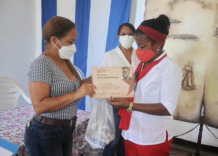 entrega de premio Miriam Maza y otros de la UNHIC_fotos Yesmanis Vega Avalo_1